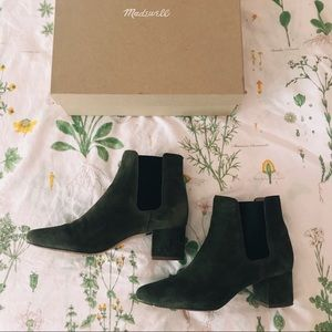 madewell olive green ankle boots!!